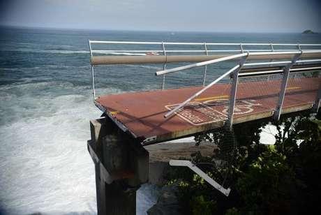 Há um ano, o desabamento de parte da ciclovia Tim Maia, na Avenida Niemeyer, durante uma ressaca no mar de São Conrado, deixou dois mortos