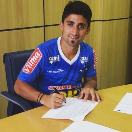 Pisano assinou com o Cruzeiro em 2016, mas nunca se firmou e já foi embora do clube (Foto: Instagram/Cruzeiro)