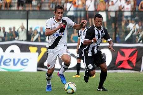 Volante Jean é o jogador com mais desarmes no Campeonato Carioca (Foto: Paulo Fernandes/Vasco.com.br)