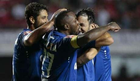 Ariel Cabral e Manoel são desfalques no Cruzeiro (Foto: Marcello Zambrana/Light Press/Cruzeiro)