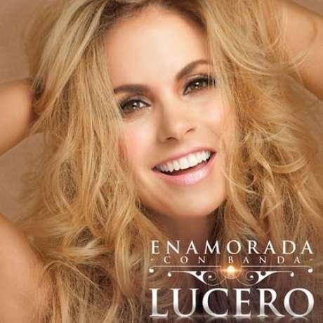 La portada del nuevo disco de Lucero, 'Enamorada con Banda'.