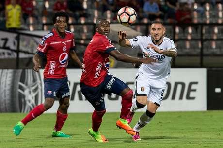 Medellín vence 2-0  Melgar y se mete en la clasificación