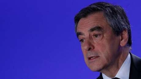 Fillon diz que quer 'renovar totalmente' a União Europeia