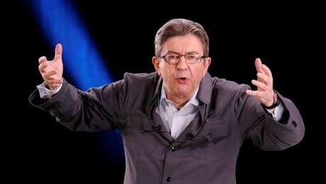 Mélenchon prevê fazer um plebiscito sobre saída da França da UE