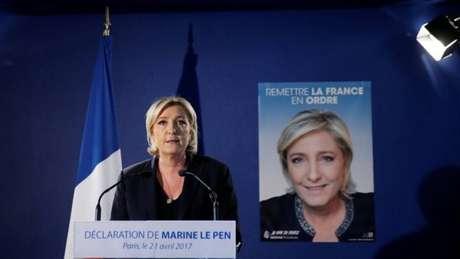 De extrema direita, Le Pen defende o 'Frexit'