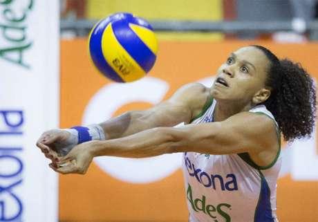 Juciely soma cinco medalhas de Grand Prix (foto:Divulgação)