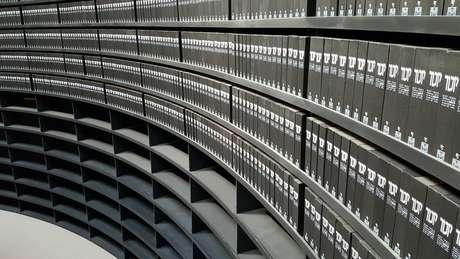 Há espaço nas prateleiras para mais seis milhões de Páginas de Testemunho