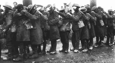 Soldados ingleses cegos pelo gás