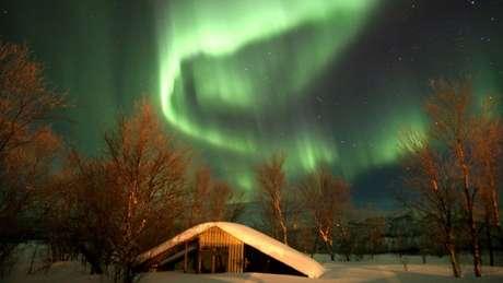 O grupo de cientistas amadores costuma compartilhar fotos de auroras boreais no Facebook