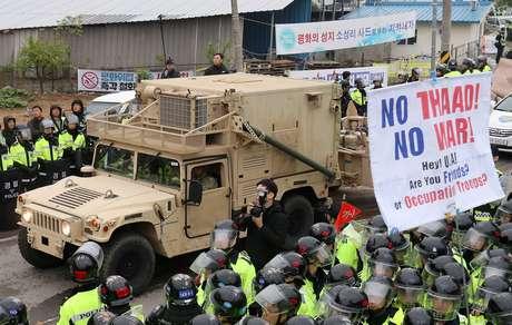 Sul-coreanos protestam contra a instalação do escudo antimísseis