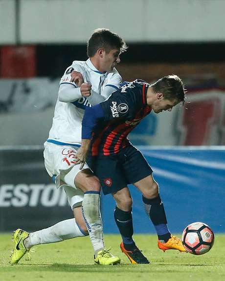 San Lorenzo vence 2-1 a la U Católica y sigue vivo