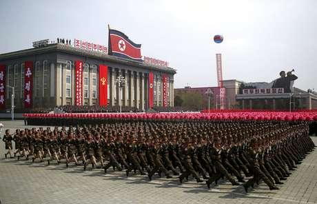 Corea del Norte estaría usando armas falsas en los desfiles