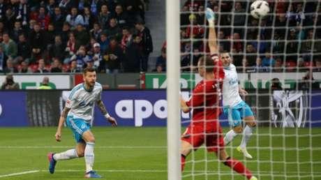 Schalke não teve problemas para vencer fora de casa (Foto: Reprodução/Twitter FC Schalke 04)