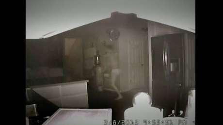 Imagem da câmera de segurança mostra Nathon pouco antes de disparar