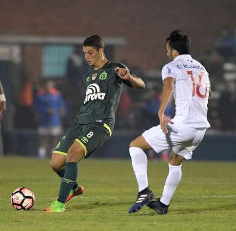 Chapecoense es goleado 3-0 por el Nacional