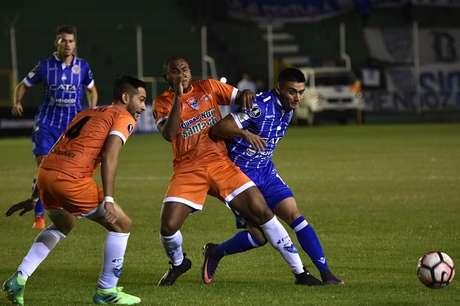 Godoy Cruz derrota 1-3 a Sport Boys y asume liderato