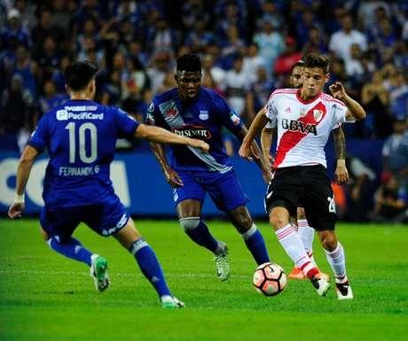 River Plate triunfa 1-2 sobre Emelec