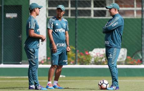 Palmeiras despede treinador Eduardo Baptistas após derrota na Taça Libertadores