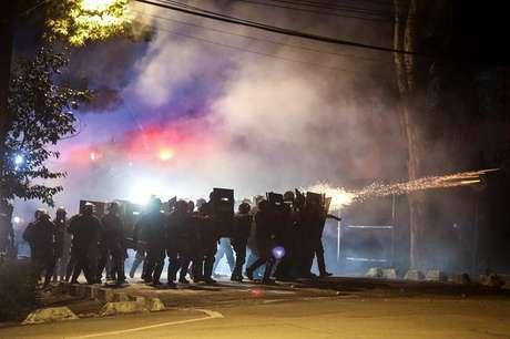 Protesto em frente à casa do presidente Michel Temer, em São Paulo, foi marcado por confronto entre manifestantes e  polícia.