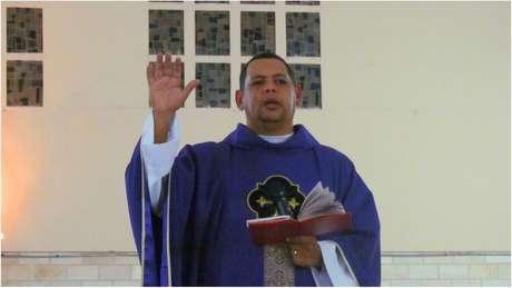 Padre Edson Barbosa, de Andradina (SP), buscou ajuda especializada para superar vício em alcool