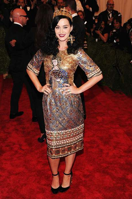 En la Met Gala 2013, Perry deslumbró con un diseño de Dolce & Gabbana.