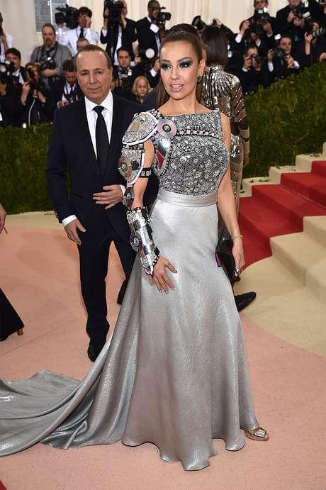 El look de Thalía en la Met Gala 2016.