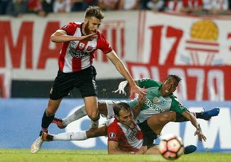 El Atlético Nacional se impuso 4-1 ante Estudiantes
