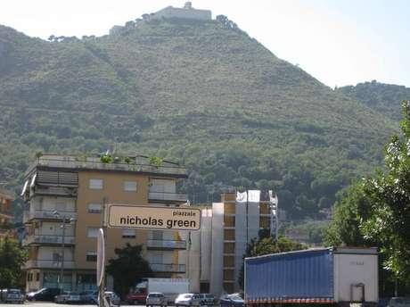A praça Nicholas Green na cidade de Cassino é um entre os vários lugares da Itália que levam o nome da criança