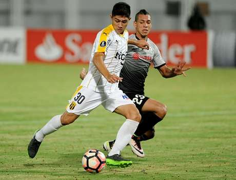 Guaraní vence 3-1 al Zamora y es ahora segundo del Grupo 8