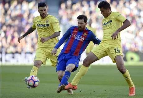 Na vitória sobre o Villarreal, Messi anotou o seu 50º gol na temporada (Foto: AFP)