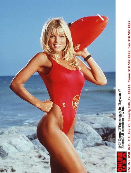 La pose que volvió hacer Donna D'Errico.