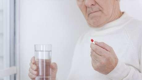 No Reino Unido, há recomendação de se diminiuir dose e tempo de uso de analgésicos