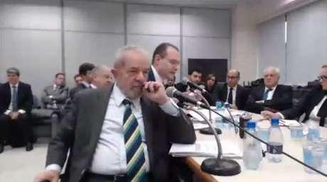 O ex-presidente Lula durante depoimento para o juiz Sergio Moro em Curitiba