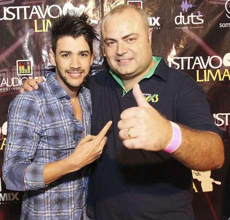 O idealizador e organizador do Country Festival, João Guilherme Leprevost, com o cantor Gusttavo Lima, que volta ao festival depois de participar nos anos de 2010, 2011 e 2013, quando foi feito o registro.