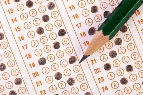 A resposta depende de vários fatores e antes de decidir é importante conhecer as características de cada exame