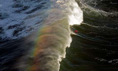 """Um """"caldo"""" de uma onda em Mavericks pode afogar um surfista"""