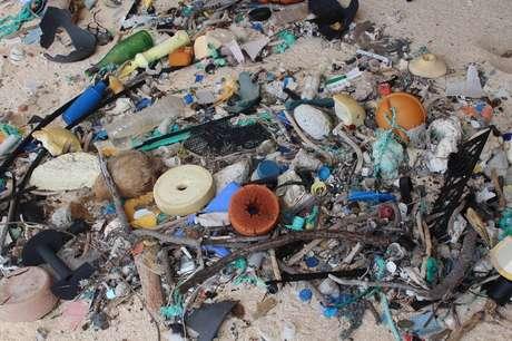 Quantidade de detritos na ilha seria de 37,7 milhões