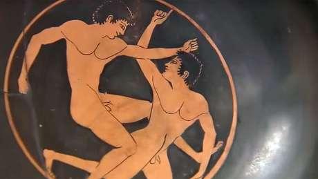 Chamava a atenção o destaque aos jogos que eram celebrados no istmo de Corinto a cada dois anos, em homenagem a Poseidon, deus grego do mar