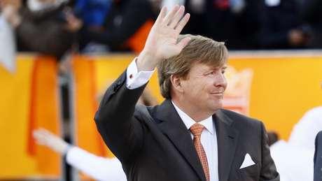 Rei Willem da Holanda revela que pilota voos comerciais da KLM