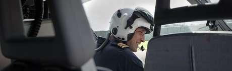 Em 2015, o príncipe William tornou-se piloto de ambulâncias na Força Aérea Britânica