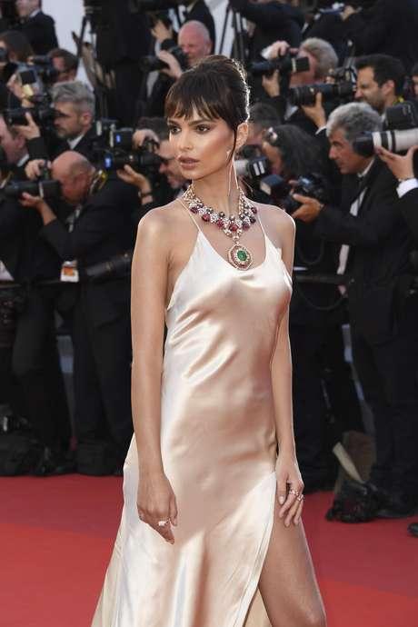 El look de Emily en Cannes 2017.