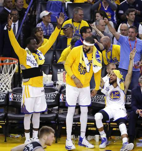 Los Golden State Warrirors le pasaron por encima a los San Antonio Spurs en el segundo juego de la Conferencia Oeste de la NBA