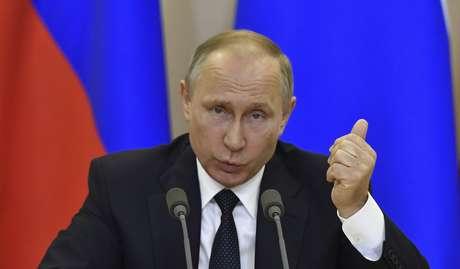"""""""Se a administração americana autorizar, estamos dispostos a fornecer a gravação da conversa entre Lavrov e Trump ao Congresso e ao Senado americanos"""", disse Vladimir Putin."""