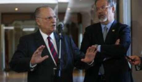 Os ministros da Cultura, Roberto Freire, e da Defesa, Raul Jungmann, ambos filiados aos PPS