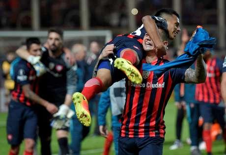 Jogadores do San Lorenzo comemoram a classificação na Libertadores