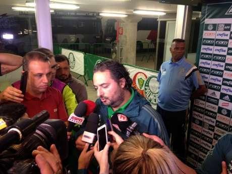 Alexandre Mattos fala na chegada ao Allianz Parque (Foto: Fellipe Lucena)