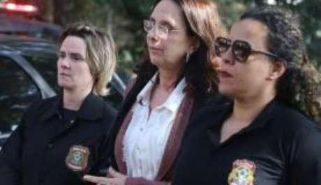 Andrea Neves é levada para fazer exames no Instituto Médico Legal, após ser presa