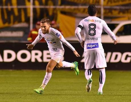 El Santos clasifica a octavos tras empate con The Strongest