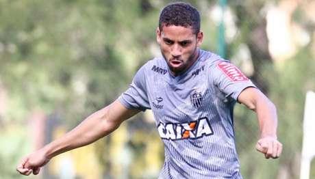 Aos 22 anos, Gabriel é titular no time de Roger Machado (Foto: Bruno Cantini/Atlético)