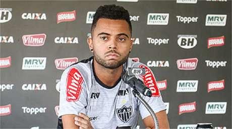 Rafael Carioca volta ao time titular e refaz a trinca de volantes com Adílson e Elias (Foto: Atlético-MG/Divulgação)